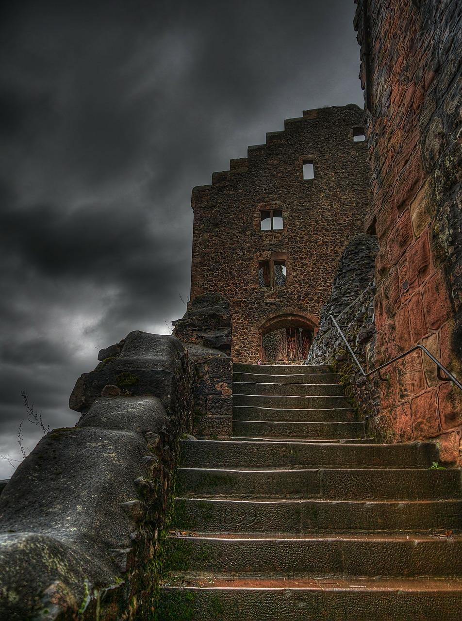 castle-198457_1280