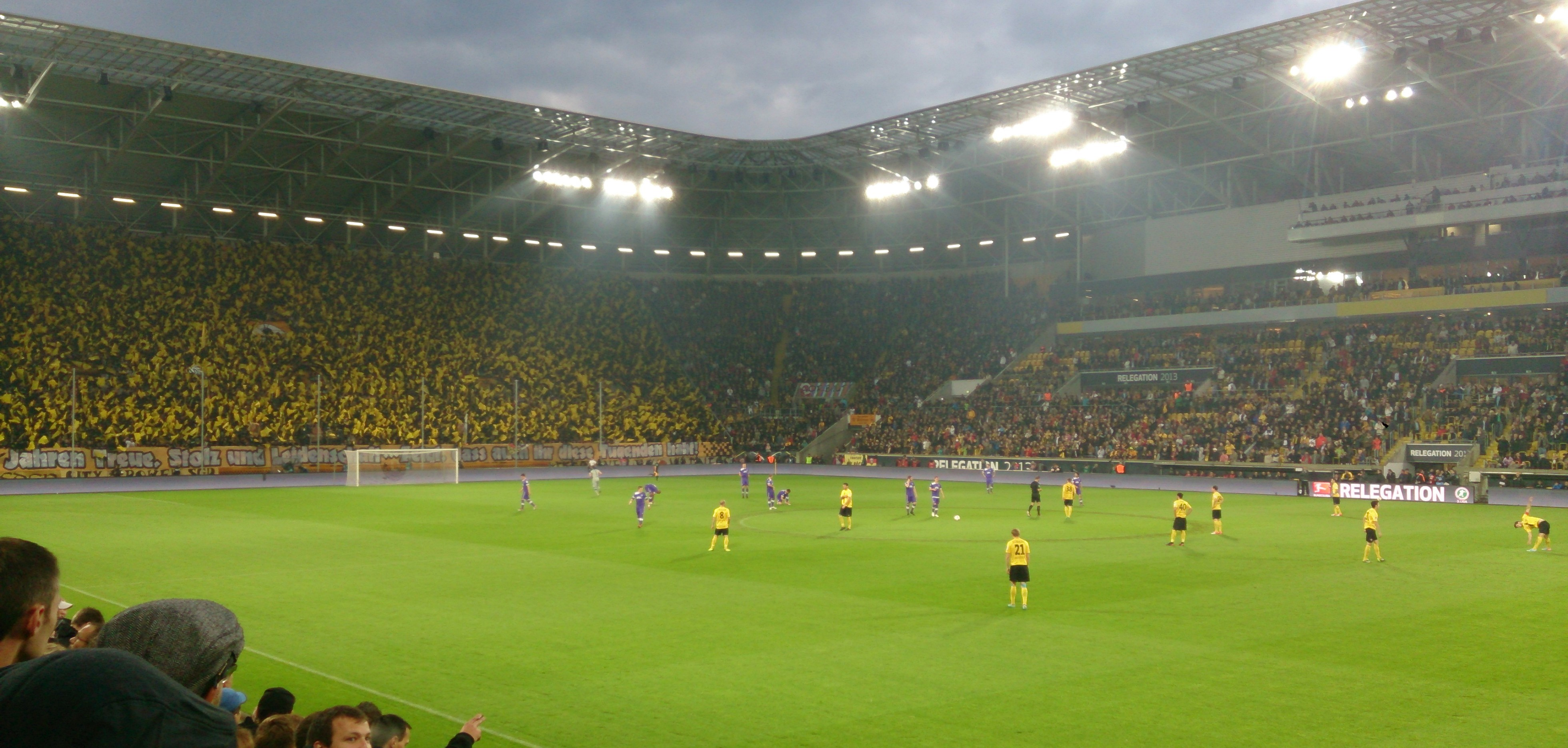 Positives Fanbeispiel: Dresdner Dynamofans wollen Steinhaus in Eigenregie sanieren